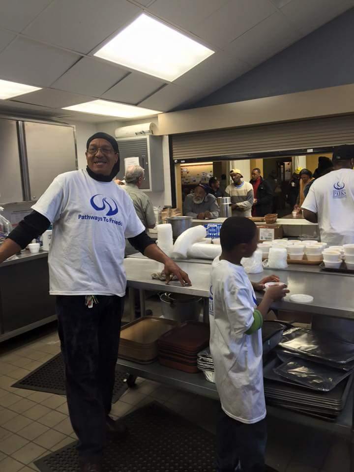 Feed the Homeless Nov2015-3