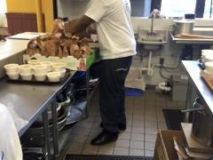 Feed the Homeless Nov2015-6
